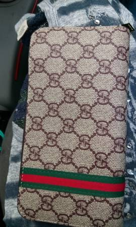Photo Gucci wallet - $60 (Redding)