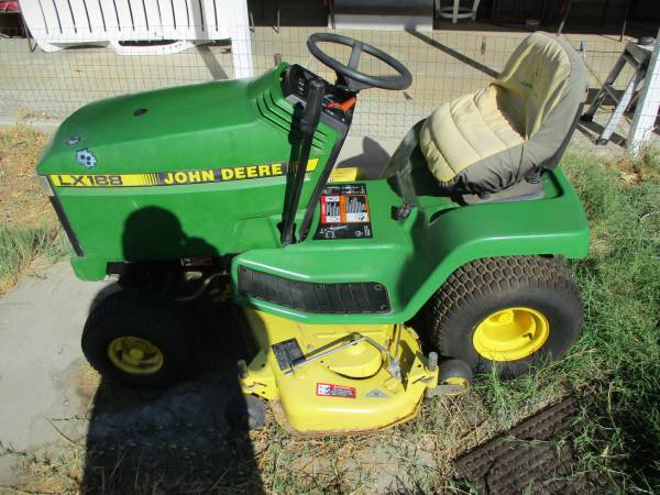 Photo John Deere Ridding Lawn Mower - $300 (Anderson Ca)