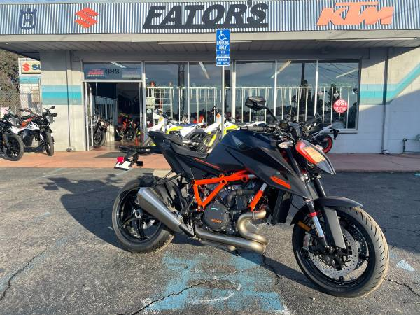 Photo KTM 1290 Super Duke R 2020 SALE - $15,699 (Fator39s Motorycle Sales)