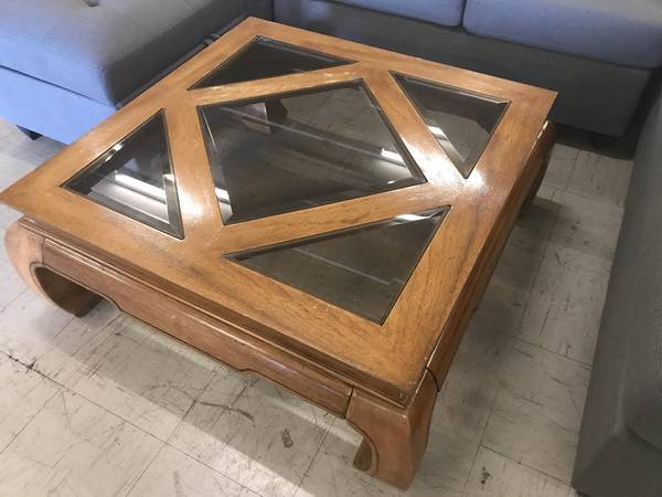 Photo Large square wood and beveled glass coffee table - $88 (Red Bluff)