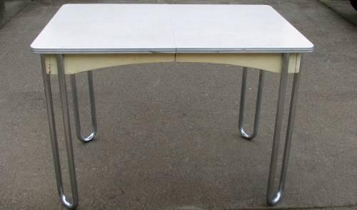 Photo MCM VINTAGE KITCHEN FORMICA TABLE with CHROME HAIRPIN CORNER LEGS - $75 (LAKEHEAD)