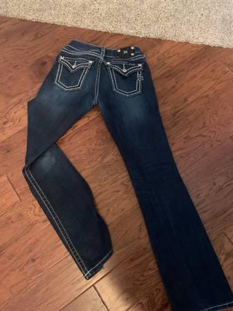 Photo Miss Me Jeans Size 28 - $30 (S. Redding)