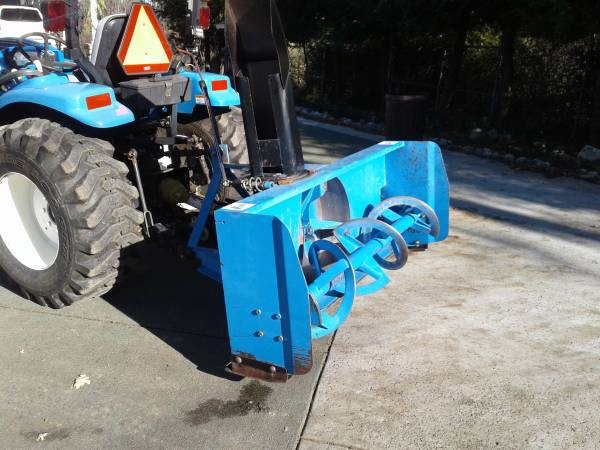 Photo NEW HOLLAND reduced price $2300 Snow blower for tractor - $2300 (Anderson)