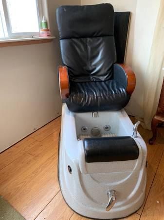 Photo Pedicure Chair - $200 (Adin)