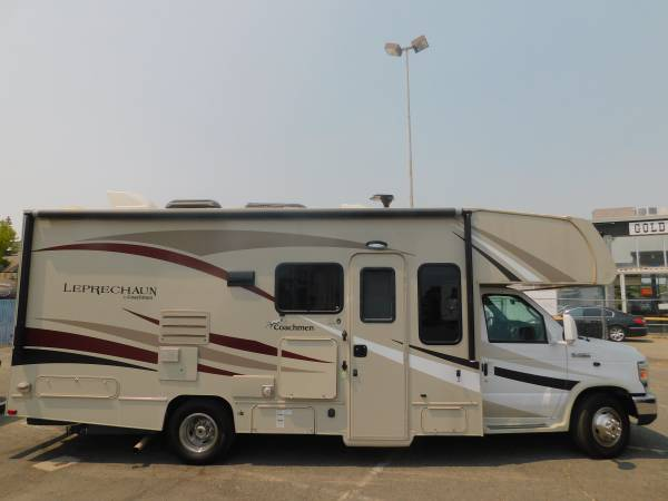 Photo RV LEPRECHAUN 24 CLASS C CABOVER MOTORHOME W 14 WALL SLIDE - $68,900 (GOLD COUNTRY RV)