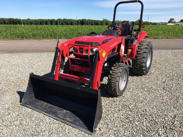 Photo Scratch  Dent Special 26HP Mahindra 1626 Tractor - SAVE $3,000 - $15,950 (Red Bluff, CA)