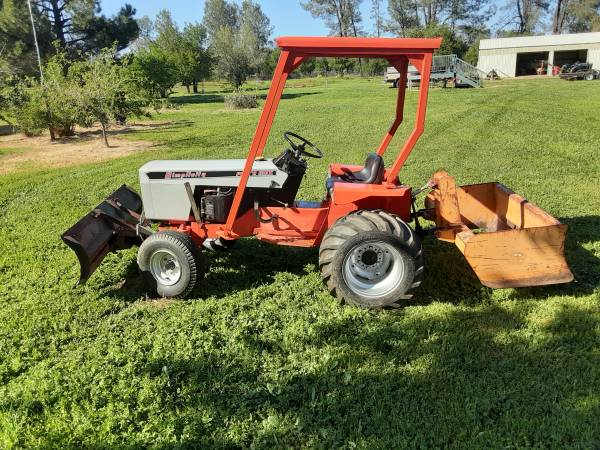 Photo Simplicity 4041 Power Max Tractor with Attachments - $4,500 (Anderson)