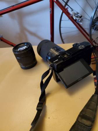 Photo Used Sony A6000 - $200 (Fortuna)