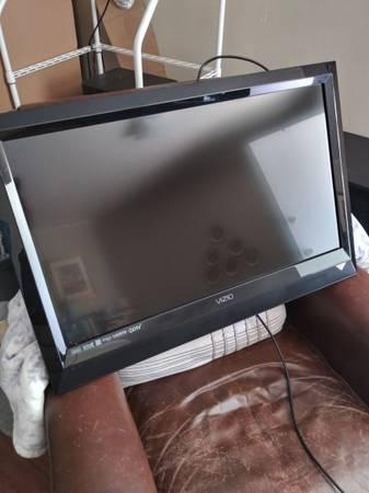 Photo VIZIO TV 32 INCH NO STAND - $40 (Redding)