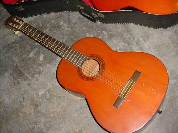 Photo Vintage Yamaha G-55-1 Acoustic Classical Guitar - $175 (North Redding)