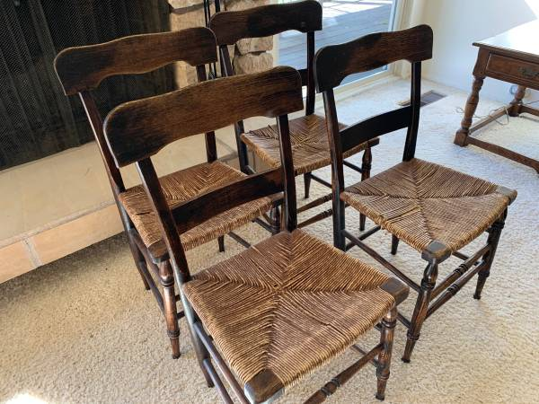 Photo Vintage kitchen dining woven seat chairs, 4 available - $27 (Red Bluff)