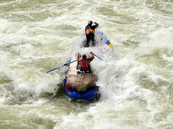 Photo 14396quot Down River Equipment Whitewater Raft  LOTS of gear - $5900 (Reno)