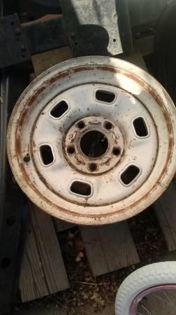 Photo 14x6 CHEVY 70,s rally wheels - $20 (Carson City)