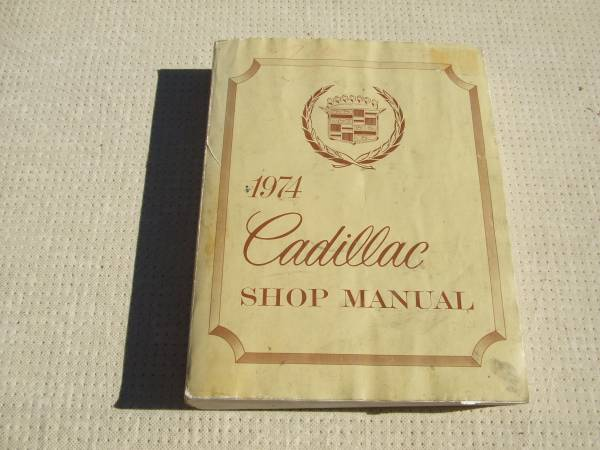 Photo 1974 Cadillac shop manual - $20 (Sparks Nv.)