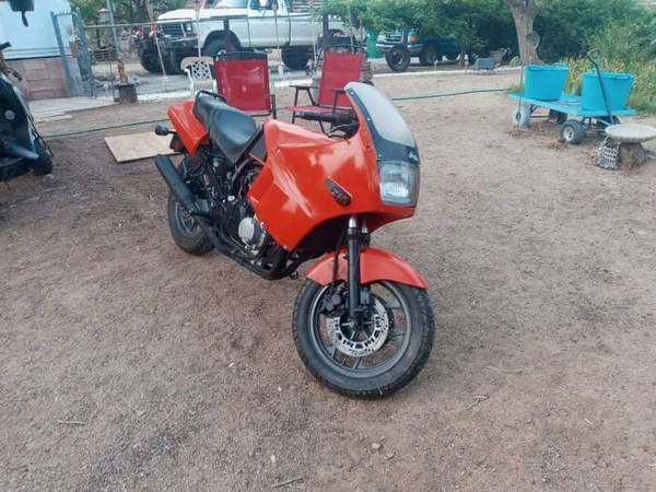 Photo 1991 Kawasaki Ninja zx600 - $2,000 (Sun Valley)
