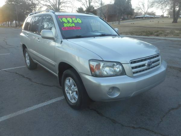 Photo 2004 Toyota Highlander, AWD, 6cyl. 3rd row, loaded, EXTRA CLEAN - $4950 (JUST CAME IN EXTRA CLEAN, LOOKSRUNS GREAT WOW 3Way of Nv)