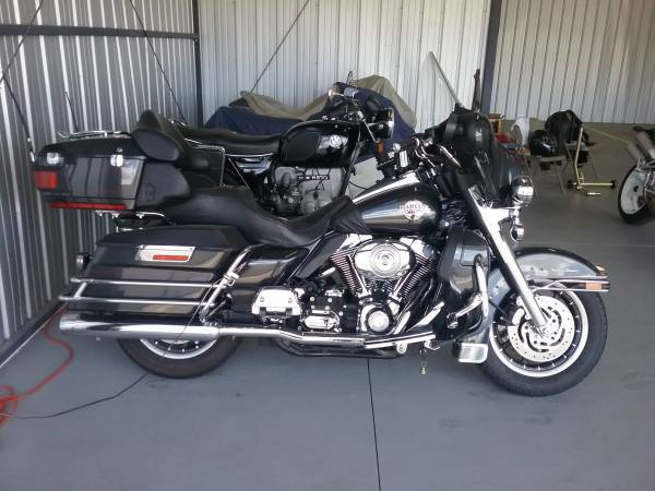 Photo 2007 Harley Davidson Ultra Classic and Vintage collection - $9,500 (Carson City)