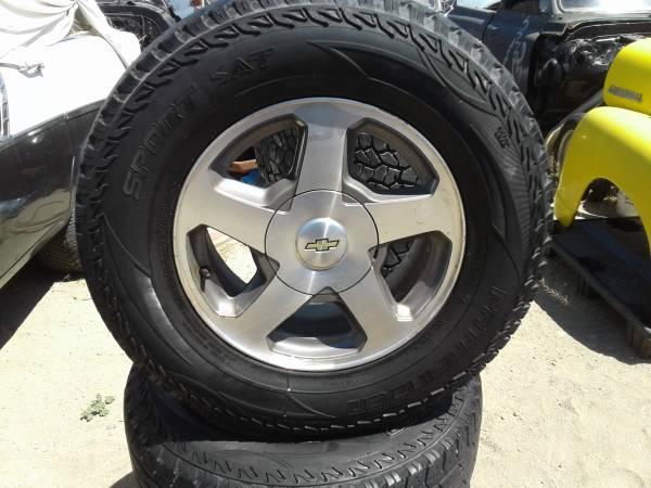 Photo (4) GM wheels and tires, 6 lug, 24570R 16 111S - $1 (Yerington)