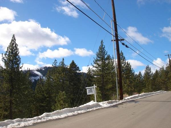 Photo ALL DAY Sunshine with mountain views  Build SPRING 2021 (Armstrong Tract, Truckee)