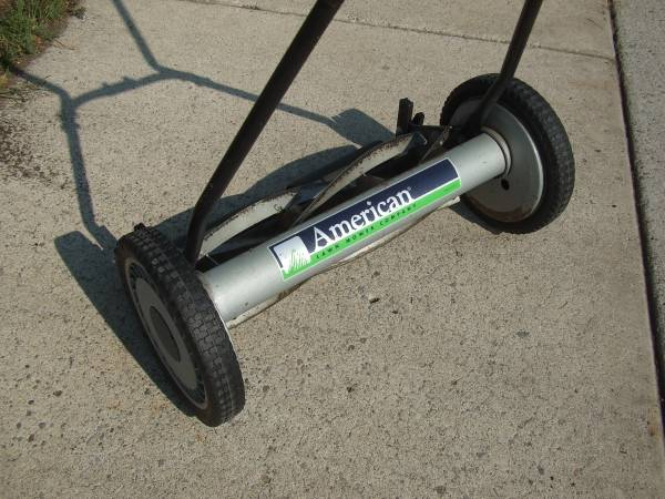 Photo American brand push lawn mower - $40 (Sparks Nv.)