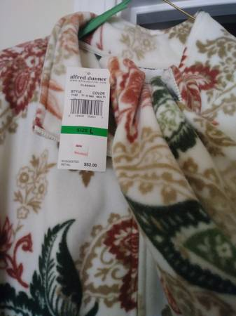 Photo Brand new Alfred Dunner-LG - $40