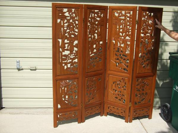 Photo Carved oriental teak wood room divider - $450 (Sparks Nv.)