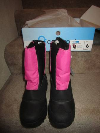 Photo Coldfront Tech Wear New in Box w Tags Snow Boots Youth Size 6  W 7.5 - $20 (SparksReno)