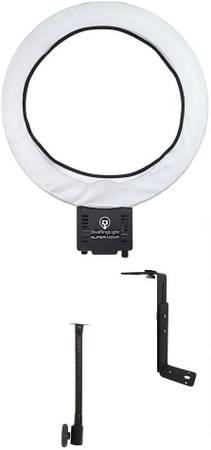 Photo DIVA RING LIGHT SUPER NOVA 18quot Dimmable Ring Light - $65 (Truckee)