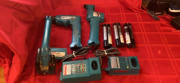 Photo Drills, Screwdrivers, Saws, Makita, Ryobi, Craftsman, Black and Decker - $40