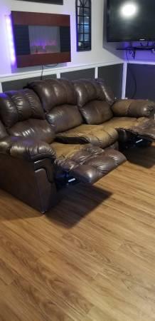 Photo Free couch (Reno)