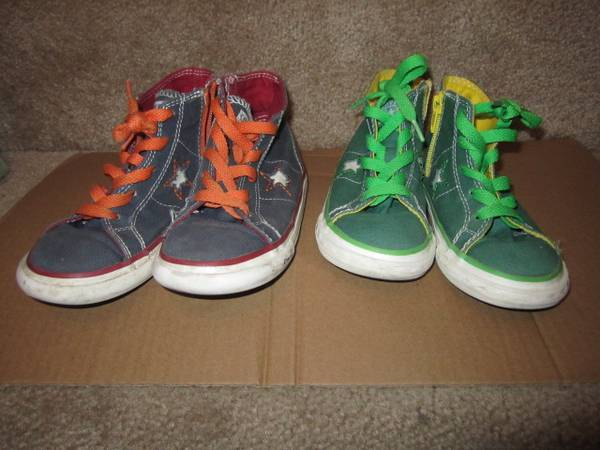 Photo Gently Used Converse Sneakers Shoes Kids Size 10 and 11 2 Pairs - $15 (SparksReno)