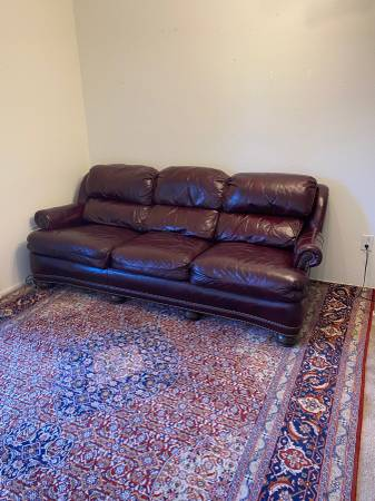 Photo HANCOCK  MOORE Burgundy Leather Tack Head Trim Sofa - $1,000 (Reno)