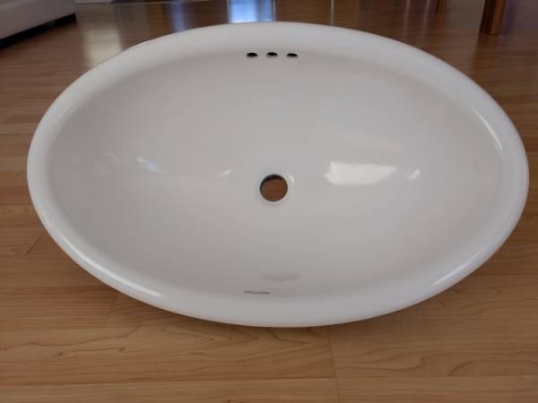 Photo Kohler Drop-In Bathroom Sink, Vintage, Ceramic, Oval, White - $50 (Carson City)