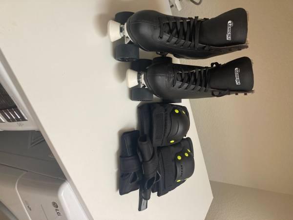 Photo Mens Roller Skates - $140 (Sparks)