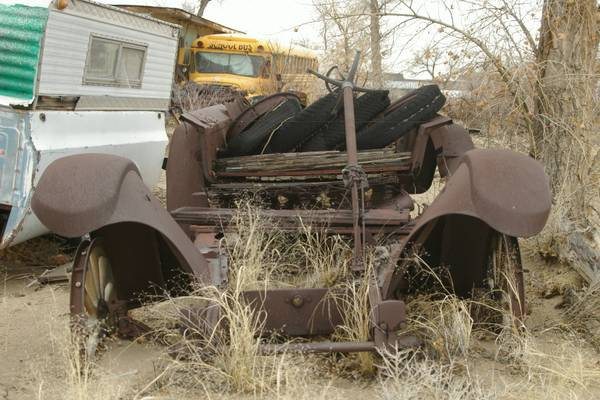 Photo Nash-Rat Rod parts Ford rear end 302 engine package (Fallon NV)