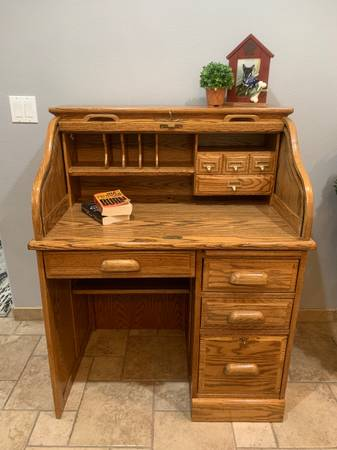 Photo Nice Solid Oak Rolltop Desk  Chair Set - Perfect for a Student - $225 (Sparks)