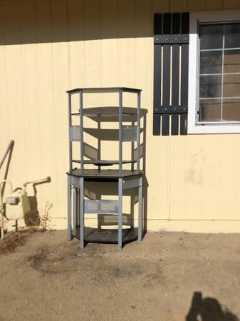 Photo Nice metal rack - $30 (Washoe Valley)