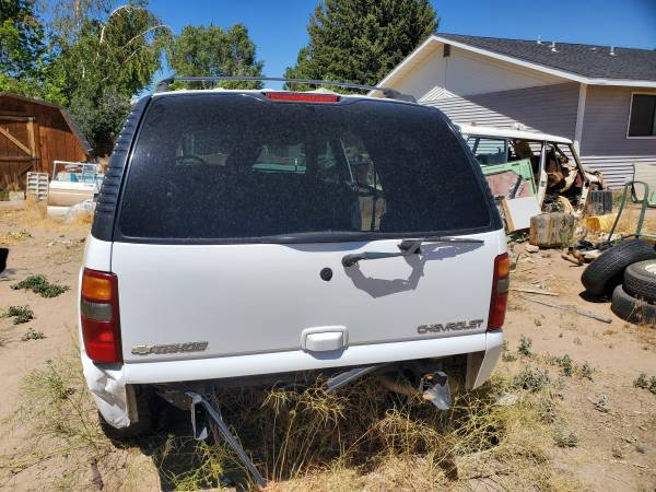Photo Parting out 03 chevy tahoe - $1 (reno)