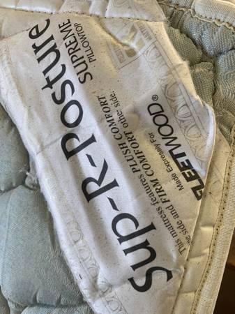 Photo Queen mattress (Washoe valley)