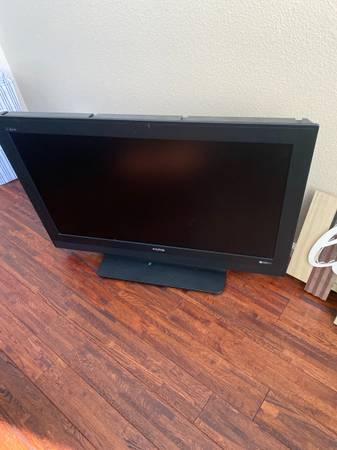 Photo Sanyo DP42647 42 Television - $20 (South reno)