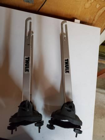 Photo Thule bicycle wheel fork racks (pair) - $40 (Reno)