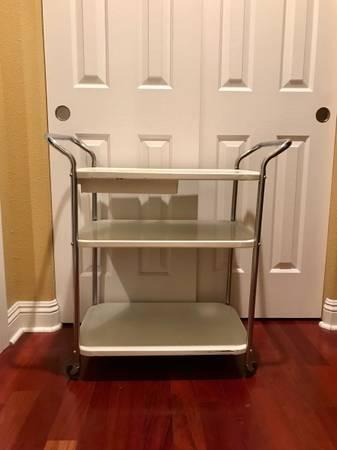 Photo Vintage Kitchen Cart Red $75 White $95 - $75 (Gardnerville)