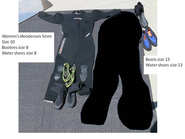 Photo Women39s Surf suit and boots - $25 (Carson City)