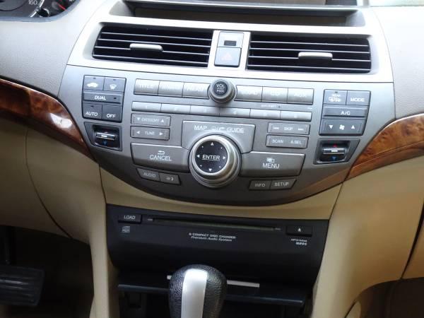 Photo 08 Honda Ex-L factory stereo - $100 (Quinton, (New Kent, Va))