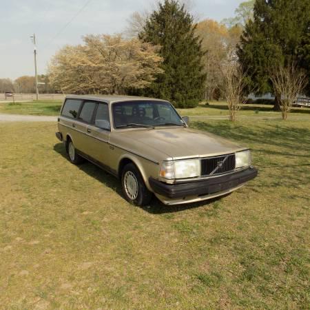Photo 1991 Volvo 240 Station Wagon - $2200 (mechanicsville)