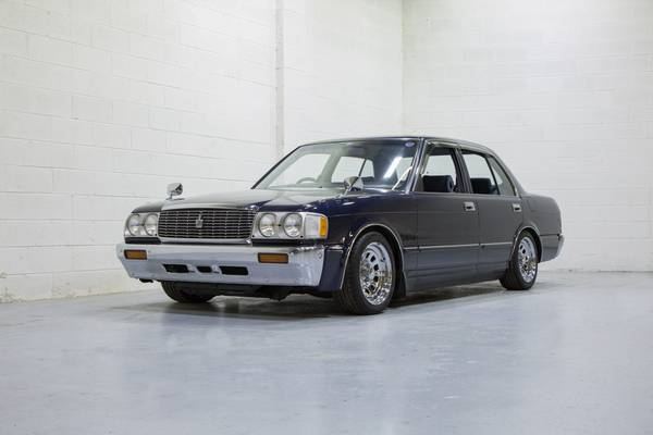 Photo 1992 Toyota Crown Royal Saloon RHD JDM Luxury Transporter - $15995 (Henrico)