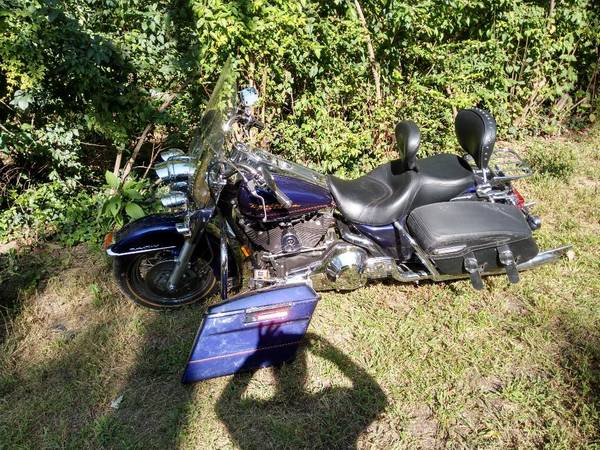 Photo 2000 Harley Davidson Road King - $8,000 (Beltsville)