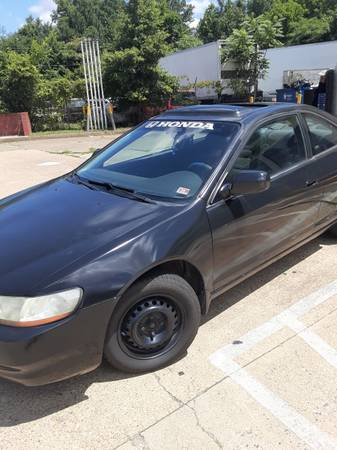 Photo 2000 honda accord for sale good condition lots of recent work 1200 obo - $1,200 (Richmond)
