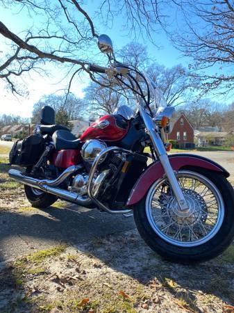 Photo 2003 Honda Shadow 750cc - $3,000 (Richmond)