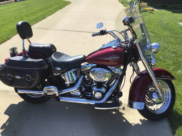 Photo 2006 Harley Davidson Heritage Softail Classic - $8,200 (Mechanicsville)